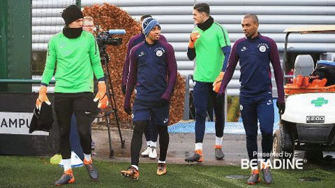 💪 @gabrieljesus33 is back in the game! #mancity