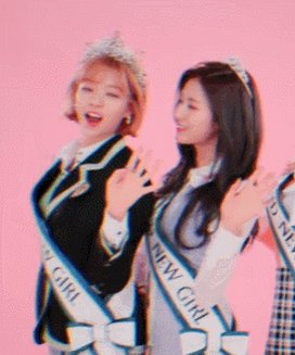 RT @mostwice: BRAND NEW GIRL Music Video #230s #jeongyeon #sana #ジョンヨン #サナ https://t.co/DW4P8doJFq