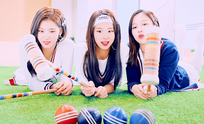 RT @sv961229: 제일 좋아하는 부분 ㅎ_ㅎ  #사나 #채영 #미나 #SANA #CHAEYOUNG #MINA   https://t.co/9cR9n7G0gC https://t.co/3cgkS4upbL
