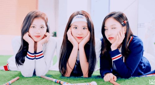 RT @kd_saida: 은혜로운 쓰리샷 #트와이스 #TWICE #사나 #SANA #미나 #MINA #채영 #CHAEYOUNG https://t.co/cfREbURyCH https://t.co/Hqe7KraD1j