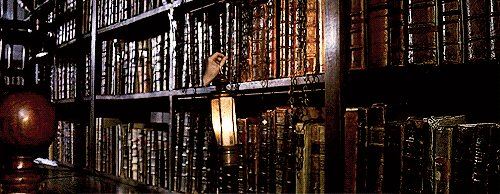 What sort of #magic is hidden in the Restricted Section of the Hogwarts #Library?? We want to hear your theories! mugglenet.com/2014/02/welcom…