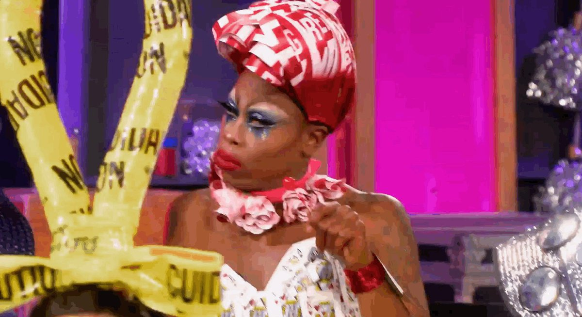 #Untucked gives the GIFs that keep on gi...