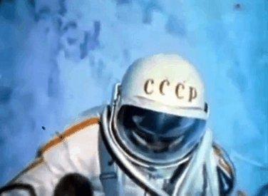 #OnThisDay in 1965, cosmonaut Alexei Leo...