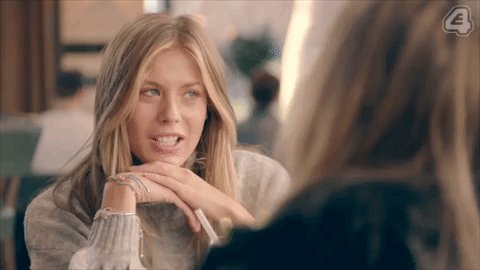 Well that's awkward… #MadeInChelsea https://t.co/ppymDIEFAW