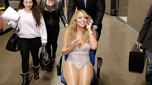 Happy birthday to the legtastic tightstastic MARIAH CAREY