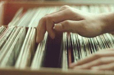@Sequisha Love the sound of vinyl records! https://t.co/SVdYLV6l2P