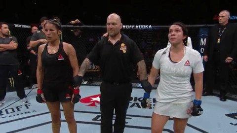 🇻🇪🇻🇪🇻🇪  @VenezuelanVixen gets the win in her return! #UFCSacramento