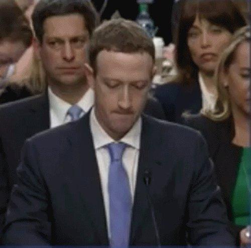 Facebook: Марк Цукерберг и американские сенаторы вдохновились на бесконечные мемы