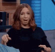 Laura Pausini diciendo que adora chupar,...