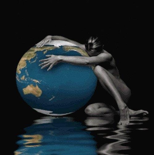 Годик дочке, анимация мужчина и женщина танцуют на земном шаре