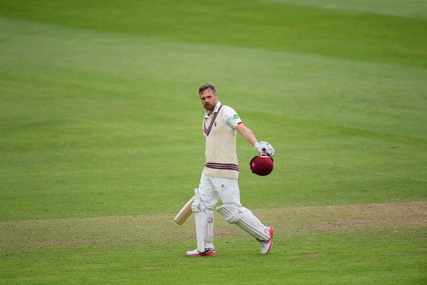 The best GIF you'll see this century 😍 [@SomersetCCC]