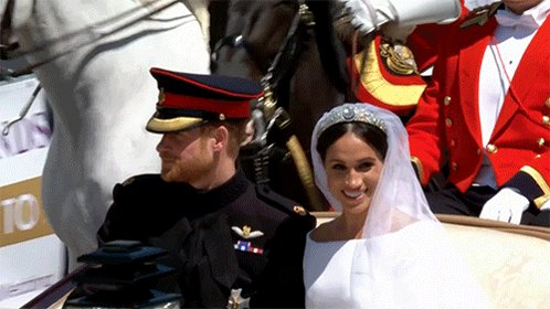 Wedding of Prince Harry and Meghan Markle Ddkb8MXWAAAvDAP