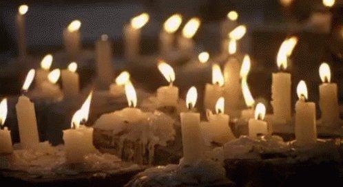 Thousands of candles can be lit from a single #Candle...  #JoyTrain #Joy #Love #Kindness #Quote #COVID19 #MentalHealth #Mindfulness #GoldenHearts #IAM #ChooseLove #SuperSoulSunday #SundayMorning #SundayMotivation RT @BethFratesMD #ThinkBIGSundayWithMarsha