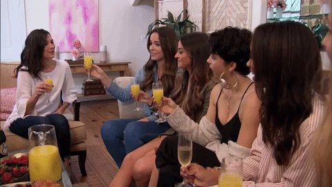 Bachelorette 14 - Becca Kufrin - Episode 3 - June  11th - *Sleuthing Spoilers* DfMKsVKW0AY8oLS