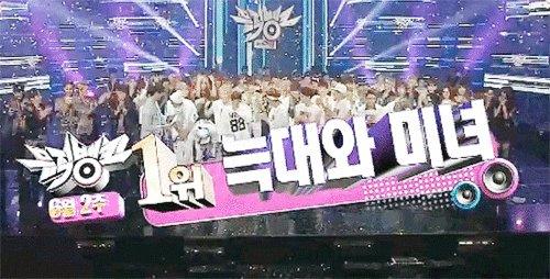 EXO Voting Squad's photo on #엑소_첫음방1위_기억해