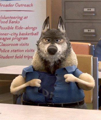 """『ズートピア』 このシーンは聖書からの言葉""""a wolf in sheep's clothing""""からです(マタイ伝より)。  羊の皮を被った狼。  つまり、外面は良き者のようだが、裏では何考えているかわからないヤツ、ってこと。"""