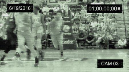 🚨 RETWEET to steal a #WNBAVote for @athomas_25.