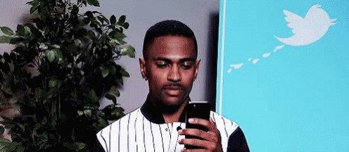 @iTzSatoshi Big Sean logging into his twitter, reading the hacked tweets