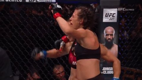 What a fight! @JoannaMMA vs @TeciaTorres at #UFCCalgary