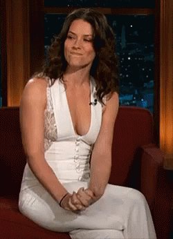 Happy Birthday to my favorite actress,amazing Evangeline Lilly ,best wishes!!!!