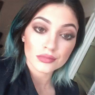 August 12th Birthday weekend kicks off with Kylie jenner who turns 21  today       Happy Birthday