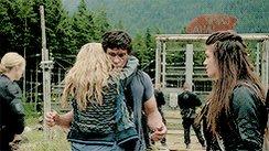 """""""Ecco una cosa che non avrei mai pensato di vedere!"""" #The100 #BellamyBlake #ClarkeGriffin  - Ukustom"""
