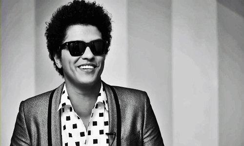 À 33 anos atrás nasceu este ser humano incrível! Happy Birthday Peter Hernandez aka Bruno Mars.