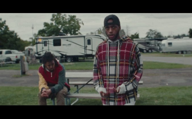💌 @6LACK x @JColeNC link for 'Pretty Little Fears' video: trib.al/dUxtP0x
