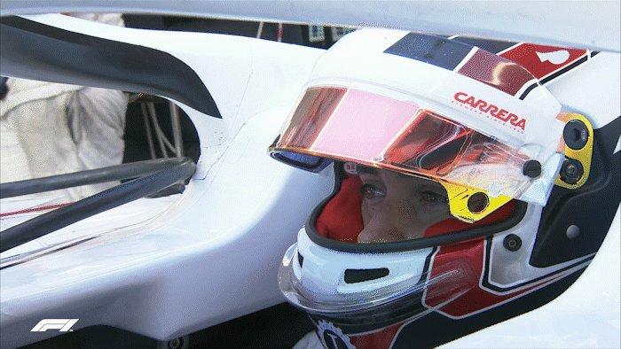This guy turns 2️⃣1️⃣ today! Happy Birthday to @Charles_Leclerc 🎂🎉🙌 #F1