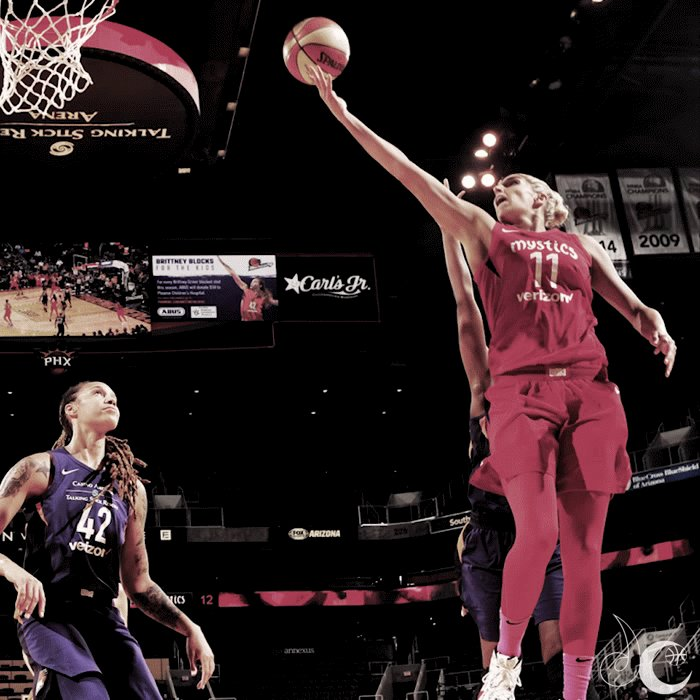 Flashes 📸 of greatness. Our top @De11eDonne pics of #SticsSZN
