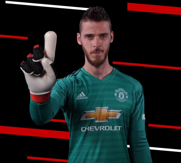 Pure #DaveSaves! Birthday boy @D_DeGea gets down brilliantly to keep out Cuadrado's deflected effort. Moments later, Khedira hits the post. #MUFC #UCL
