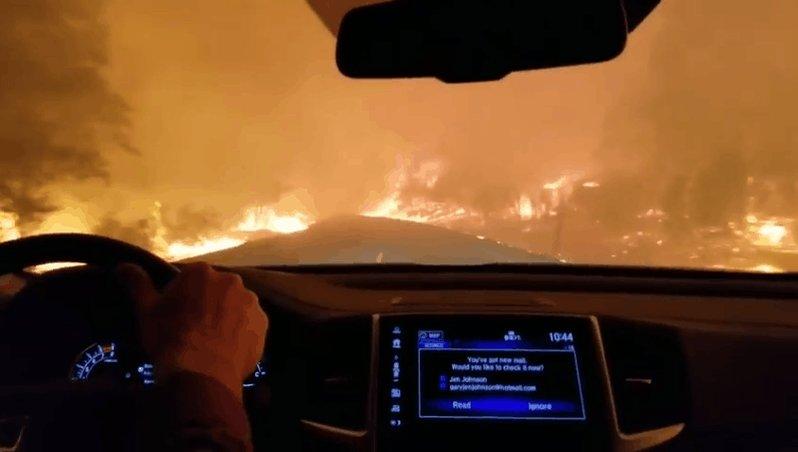 Video shows the terrifying drive to escape massive fire in Paradise, California https://t.co/CeZgSUCgaa