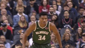 Image for the Tweet beginning: Giannis is up to 15
