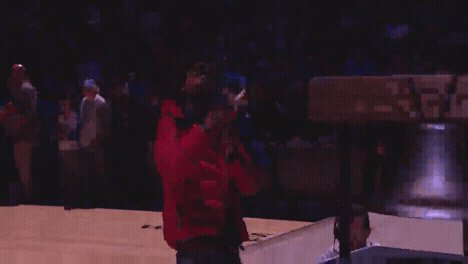 RT @sixers: .@pnbrock ringing us in! #HereTheyCome https://t.co/DW98rhIAFt