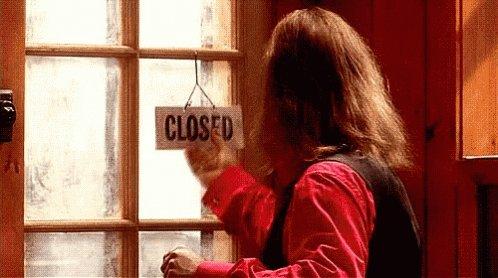 Os recordamos que los sábados estamos cerrados, pero mañana a las 12:00 estaremos al pie del cañón #BurgerCharlie