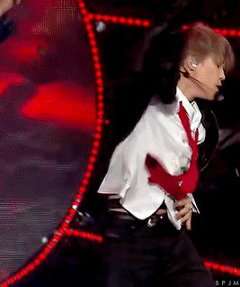 An Amazing artist with full of passion on stage.... #JIMIN