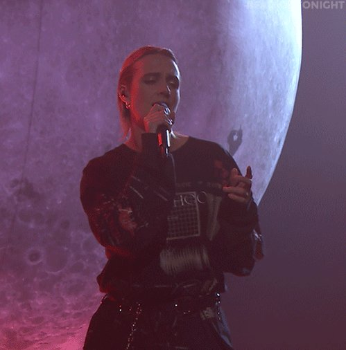 Turn up the volume...@MOMOMOYOUTH is performing 'Blur'! #FallonTonight