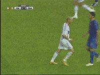 RT @JayPietsmiet: Wisst ihr noch als Zidane in Matarazzi gegletscht ist? #IBES https://t.co/Ll8fhtW7v0