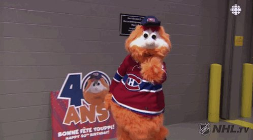 Couple of lads here to celebrate Youppi's 40th! 🥰🎉🎂🥳 https://t.co/1Aum19fdEY