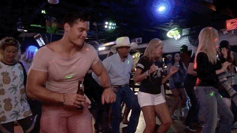 Dancing my way into a new episode of #MTVFloribamaShore 🔥