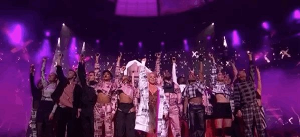 Raise your hands if you think @Pink is a total legend 🙋♀️🙋♂️  #BRITS2019
