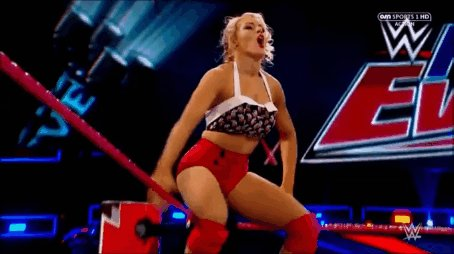 Don't tell me that @LaceyEvansWWE isn't talented, watch this and you will see how talented she is
