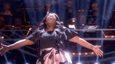 "A ""GLEEFUL\"" Happy 33rd Birthday to Amber Riley!"