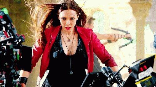 Happy birthday to our favorite weird girl, Elizabeth Olsen!!!