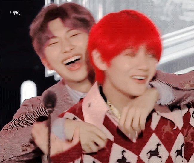 That VMon there ☺️💜 #BTS #방탄소년단 #BTSinFukuoka