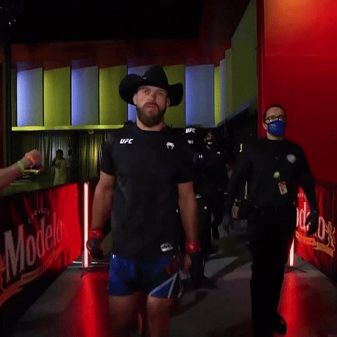 🎼 𝘾𝙤𝙬𝙗𝙤𝙮, 𝙗𝙖𝙗𝙮! 🎼  🐎 @CowboyCerrone making that walk for the THIRTY-SEVENTH time. One of a kind. #UFCVegas26 https://t.co/RghYAbk2j6