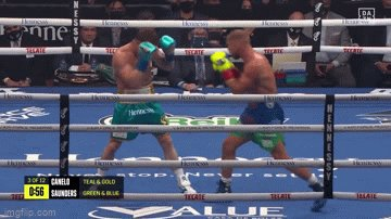 Going back to this   Heres also why Canelo steps to inside with his body hook (which smoothers hook counter over on same side)  Canelo can step on their lead foot lol (keep them in place/make it difficult for them to push their weight around/turn & block etc)  Old school trick https://t.co/daUnFc3mMz