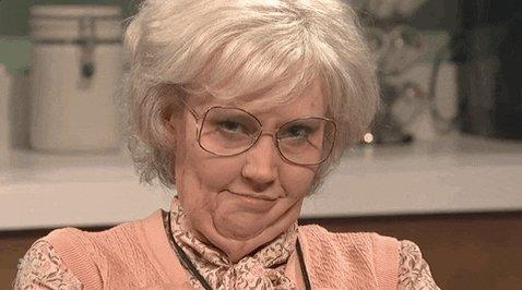 Kate Mckinnon Flirting GIF ...
