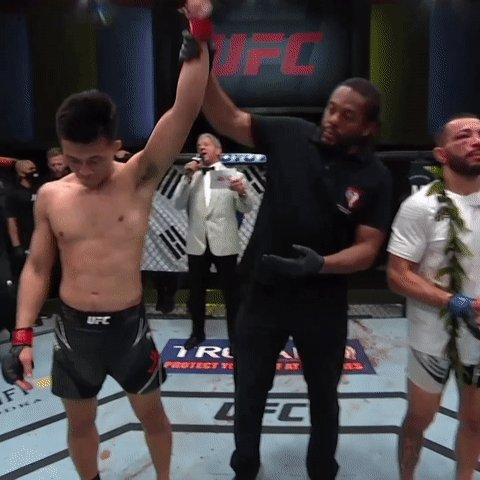 Experience. Technique. Zombie had it all tonight!  🇰🇷🧟♂️ @KoreanZombieMMA puts in another five-rounds of work to put himself right back in the FW hunt! #UFCVegas29 https://t.co/XWVOUTeMMl
