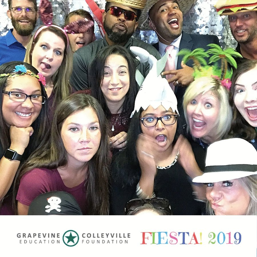 This crew! New #BroncoFam in the HOUSE!!! Thanks @GCISDEdFound for a great, warm welcome! #Fiesta2019